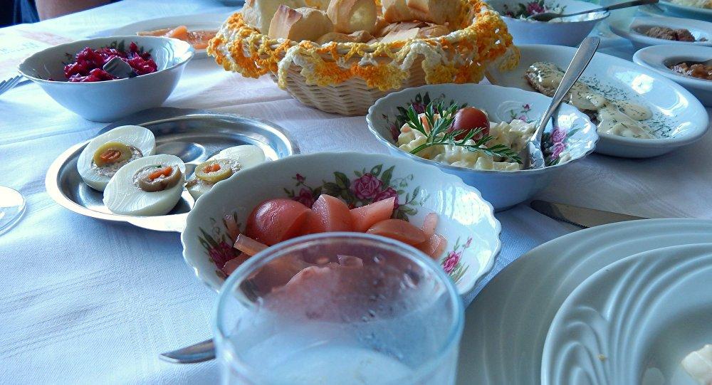 Comida russa no restaurante Dona Irene
