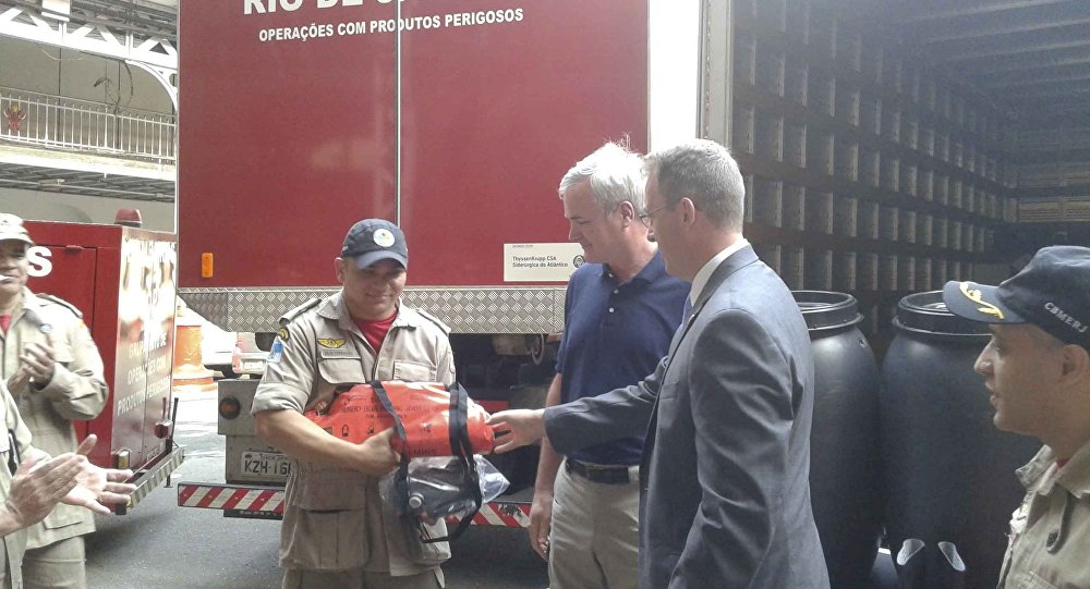Bombeiros ganham equipamentos contra ameaças químicas