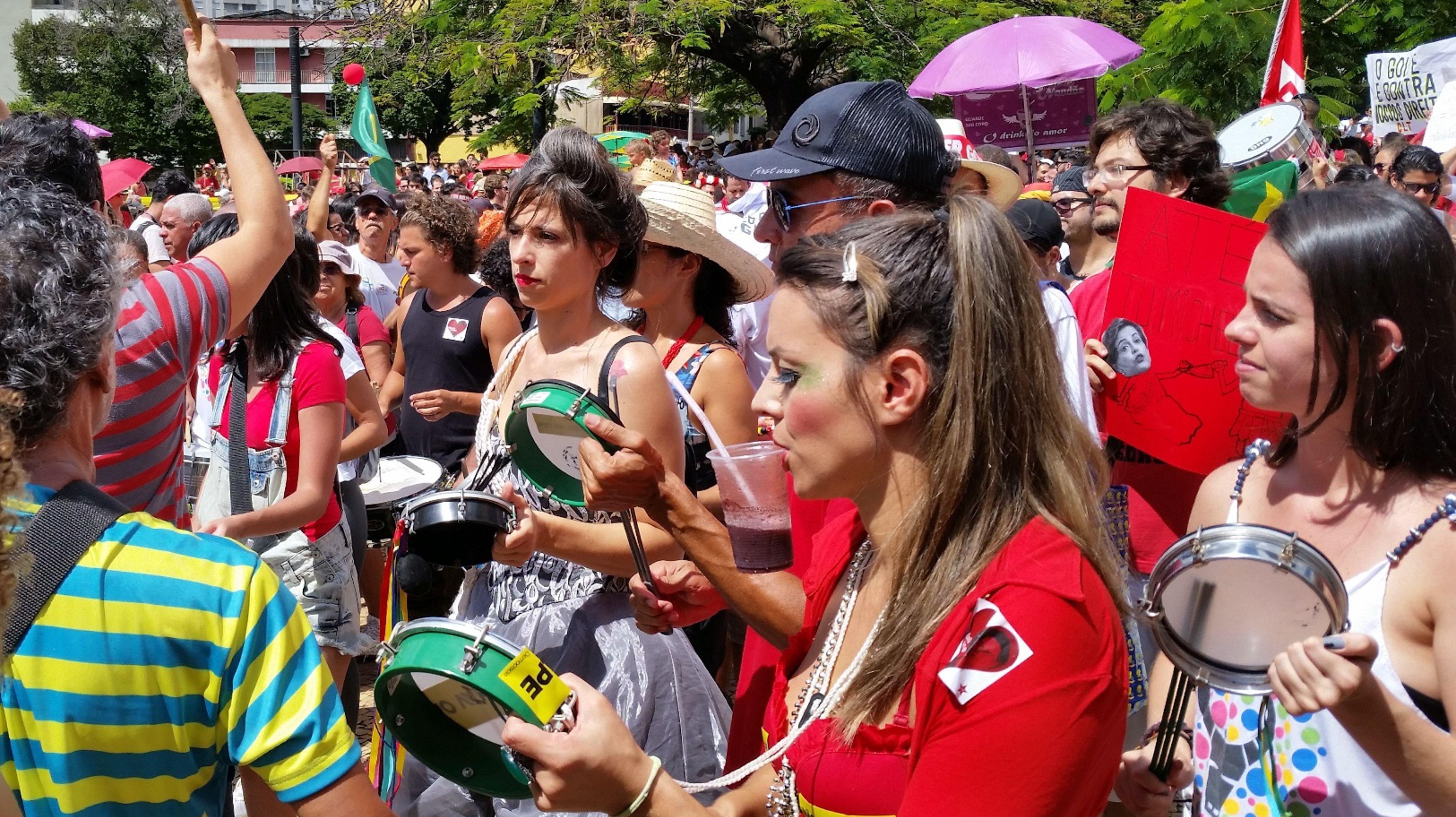 Manifestações em Belo Horizonte levaram milhares de pessoas às ruas