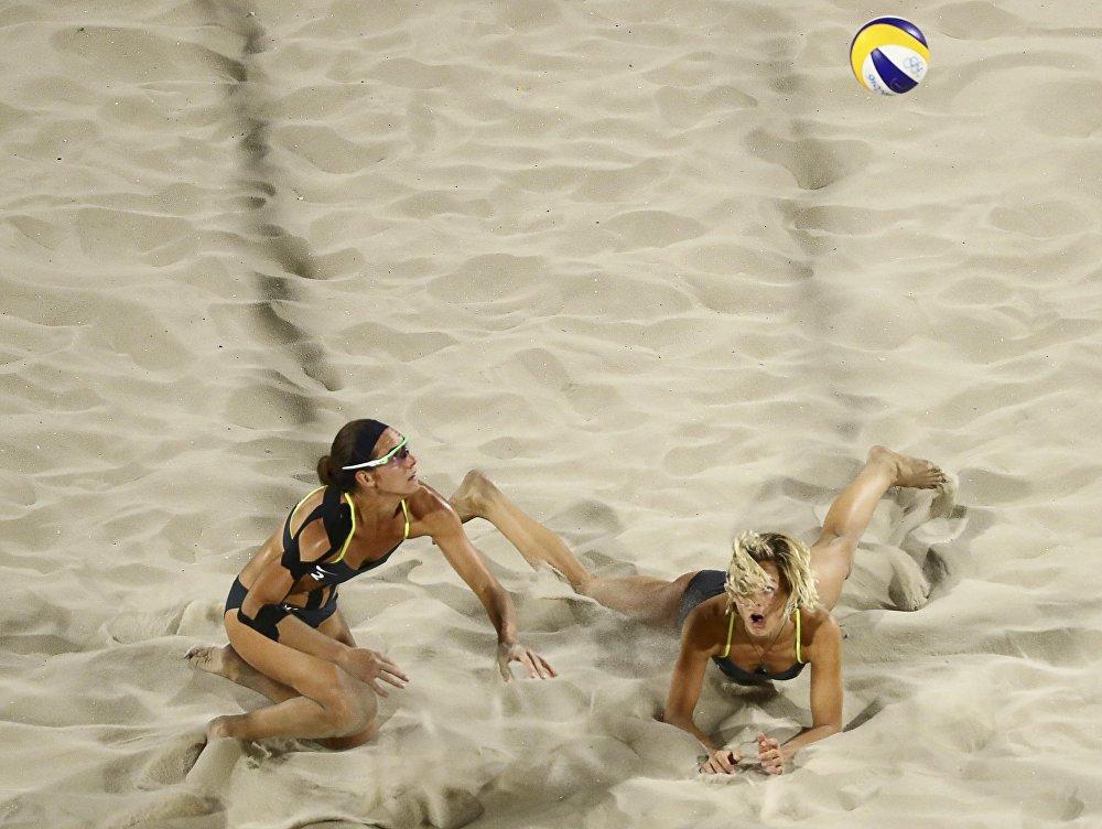 Esportistas alemãs durante o jogo contra Egito