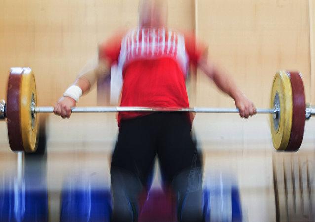 Atleta russa de halterofilismo
