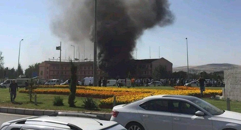 A explosão de uma carro-bomba na Turquia