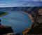 Pilares do Lena é uma série de falésias, que se estendem ao longo da margem direita do rio Lena. Há muitos séculos, um oceano pré-histórico era o dono da área. Hoje em dia, é possível observar belezas centenárias sem equipamento de mergulho.