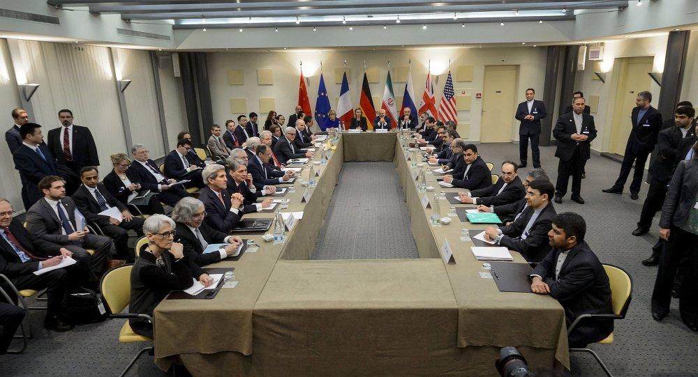 Autoridades do Irã e do P5+1 reunidas em Lausanne para discutir o programa nuclear de Teerã