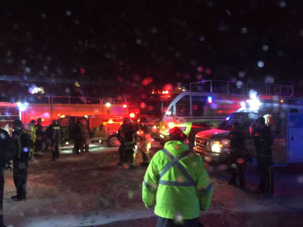 Avião da Air Canadá derrapa durante pouso