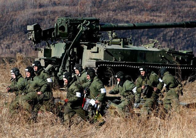 Exercícios militares dos soldados russos