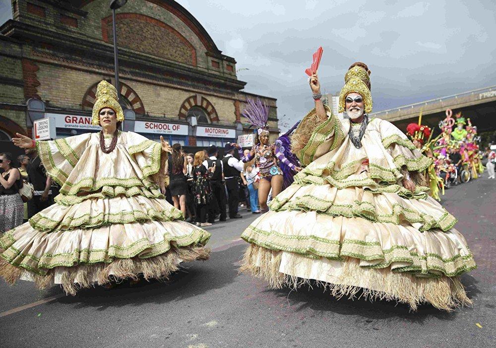 Festividades coloridas do Carnaval de Notting Hill em Londres