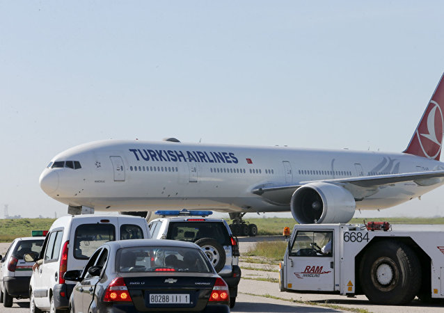 Avião da Turkish Airlines que foi obrigado a pousar no Marrocos depois de ameaça de bomba.