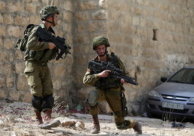 Soldados israelenses na Cisjordânia, região governada pela Autoridade Nacional Palestina