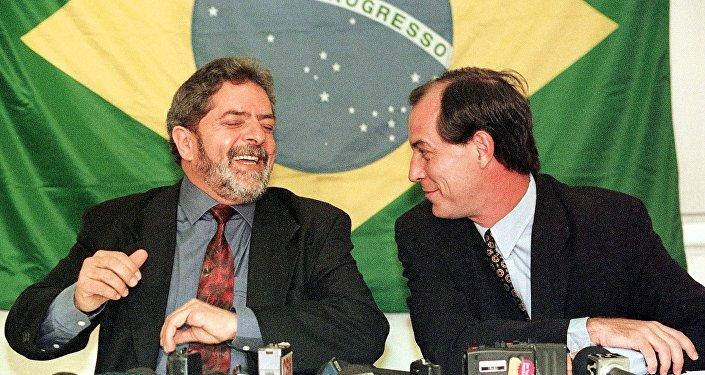 Luiz Inácio Lula da Silva e Ciro Gomes, em foto de 28 de setembro de 1998