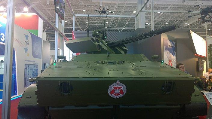 Sistema robótico de reconhecimento e combate Vikhr