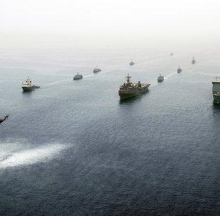 Navios no Golfo Pérsico, 21 de maio de 2013, exercícios militares