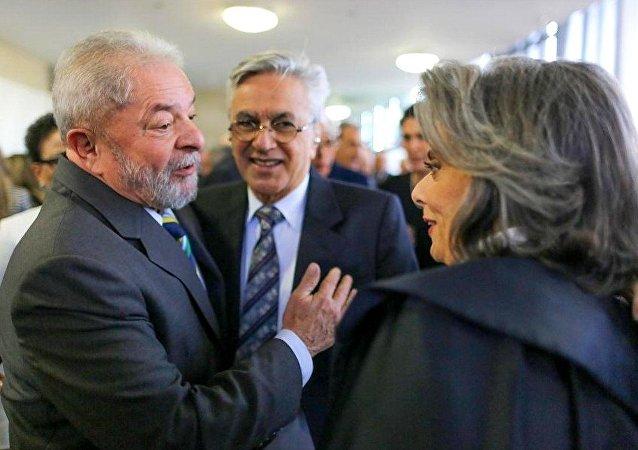 Lula, Caetano Veloso e a Carmen Lúcia, nova presidenta do STF