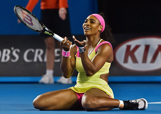 Tenista norte-americana Serena Williams no jogo contra a tenista russa Maria Sharapova em Melbourne, Austrália (foto de arquivo)