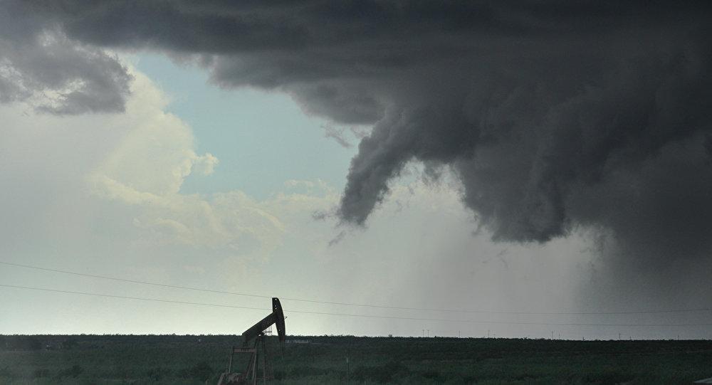 Nuvem funil no céu do Texas (arquivo)