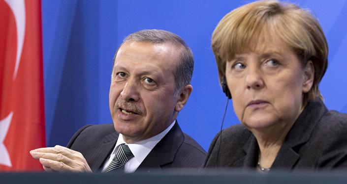 Tayyip Erdogan e Angela Merkel