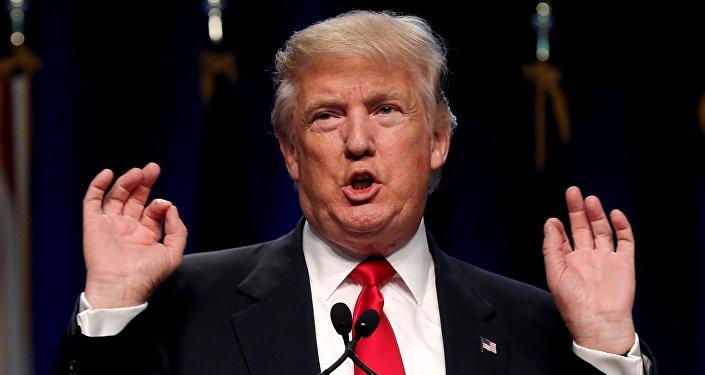 Candidato presidencial republicano Donald Trump fala na Associação da Guarda Nacional dos Estados Unidos em Baltimore, Maryland, em 12 de setembro de 2016.