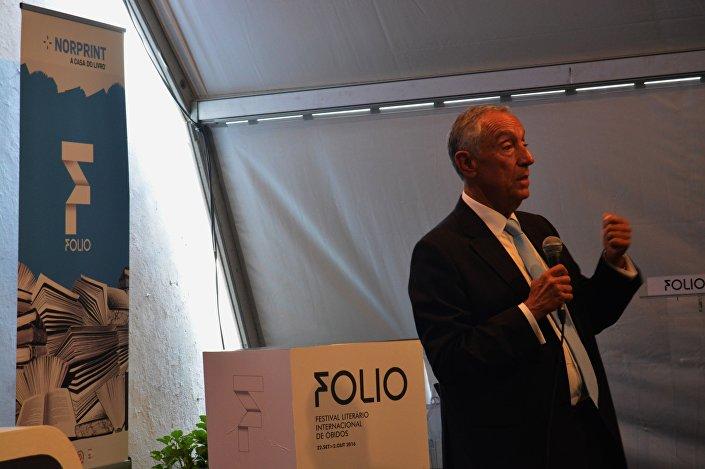 Presidente português discursa no âmbito da participação do Festival Literário de Óbidos (FOLIO)