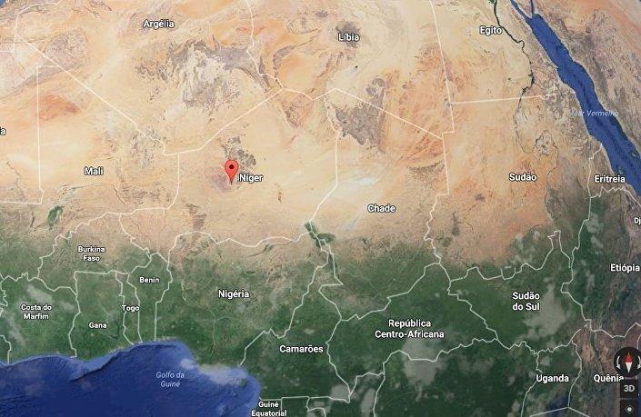 A localização geográfica de Agadez no mapa