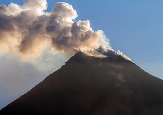 Vulcão Colima (México)