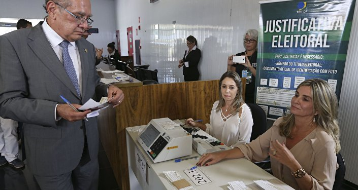 Presidente do TSE, ministro Gilmar Mendes, justifica sua ausência nas urnas