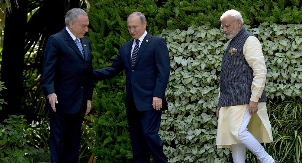 Michel Temer, Vladimir Putin e Narendra Modi na Cúpula dos BRICS em Goa