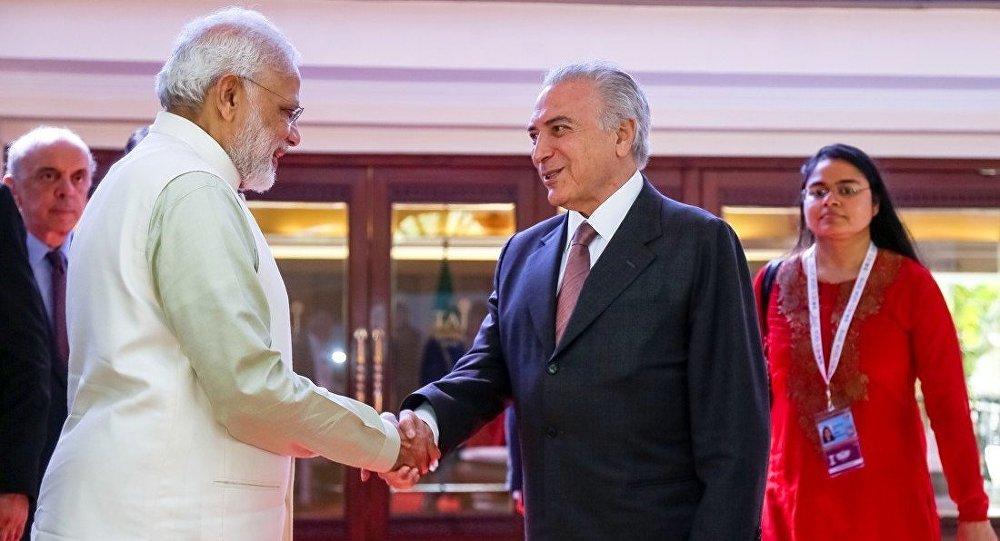 Presidente Michel Temer, se despede do Senhor Narendra Modi, Primeiro-Ministro da República da Índia