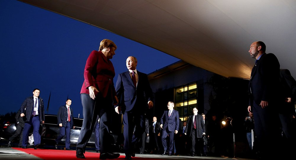 Primeira-ministra da Alemanha, Angela Merkel, recebe o presidente da Rússia, Vladimir Putin, para reunião do Quarteto de Normandia, em Berlim, 19.10.2016