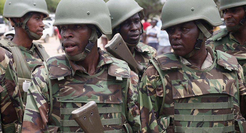 Soldados quenianos.
