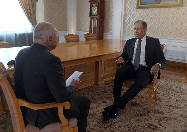 Entrevista do ministro das relações exteriores da Rússia Sergei Lavrov ao diretor-geral da agência Rossya Segodnya Dmitry Kisilev