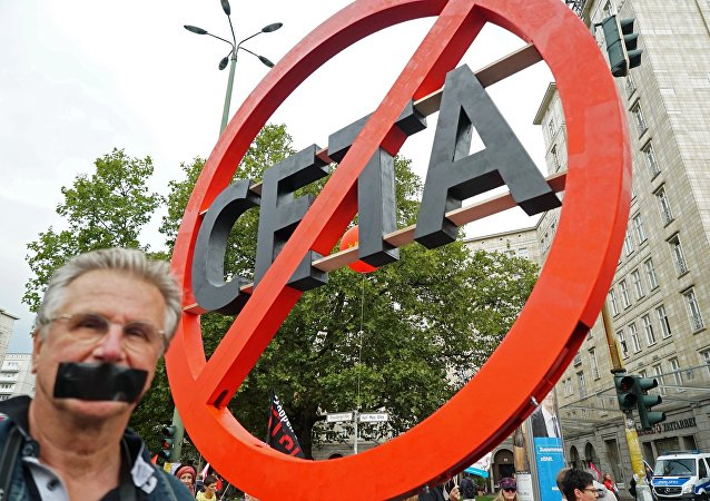 Protesto contra o Acordo Econômico e Comercial Global  (CETA) em Berlim