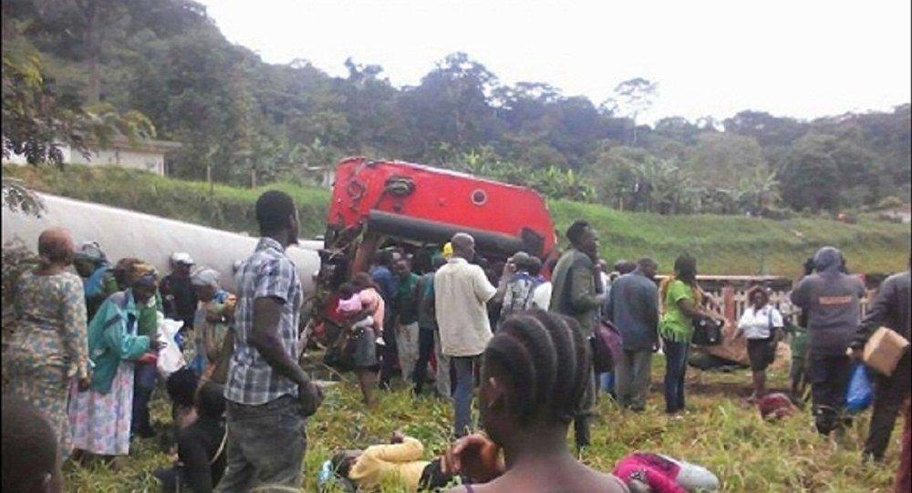 Trem descarrila em Camarões e deixa dezenas de mortos
