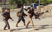 Forças da segurança curdas do Iraque patrulham as ruas de Kirkuk, 22 de outubro de 2016