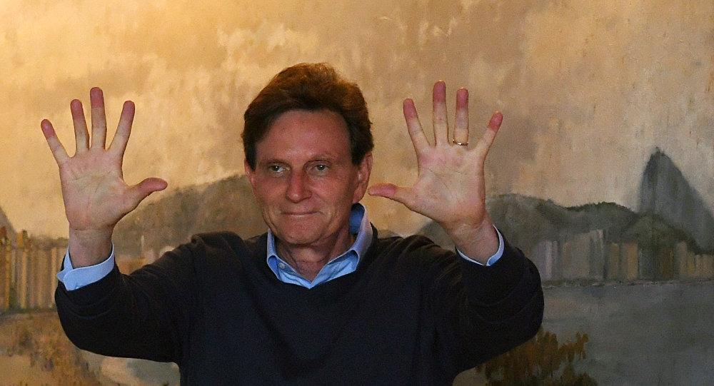 Crivella vai criar o dízimo municipal no Rio