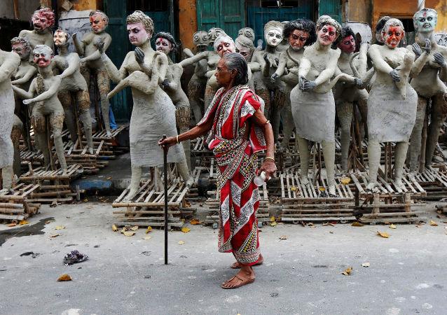 Ídolos de barro da Deusa Dakini, em Calcutá, Índia