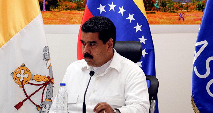 Nicolás Maduro, presidente da Venezuela, durante encontro com a oposicão