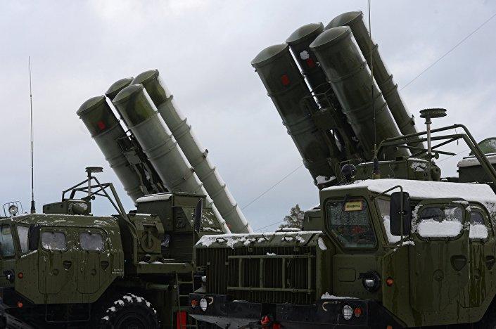 Sistema de defesa antiárea russo S-400 Triumf, região de Moscou, Rússia