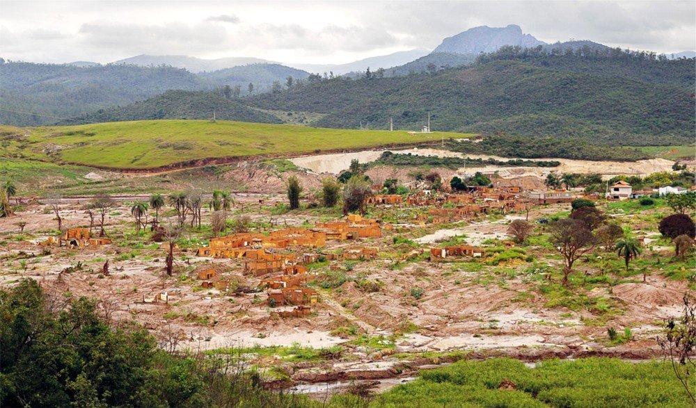 Toneladas de terra soterraram a fauna e a flora de Bento Rodrigues