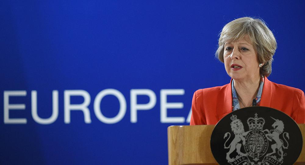 Theresa May durante uma coletiva de imprensa na cúpula da União Europeia em 21 de outubro de 2016