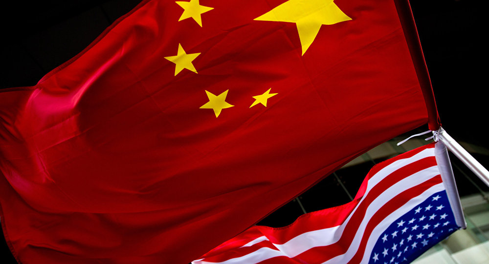Bandeiras nacionais dos EUA e da China