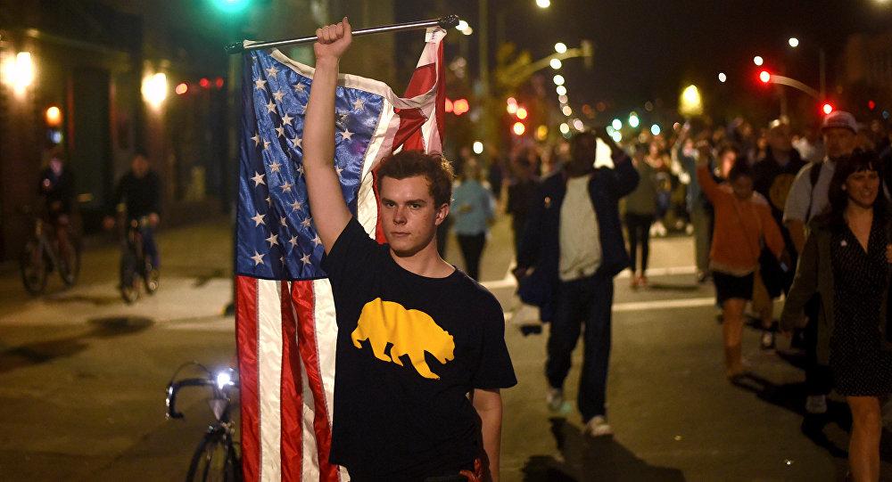 Protestos contra Donald Trump em Oakland, Califórnia, 9 de novembro de 2016