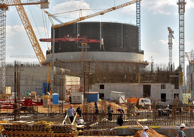 Сonstrução de usina nuclear em Ostrovets, Bielorrússia (foto de arquivo)