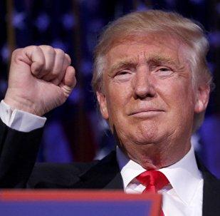 Presidente eleito dos EUA Donald Trump durante discurso em Manhattan, Nova York, 9 de novembro de 2016