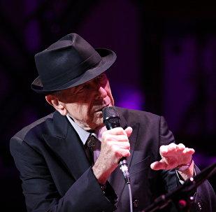 Leonard Cohen durante apresentação em Atlanta, março de 2013