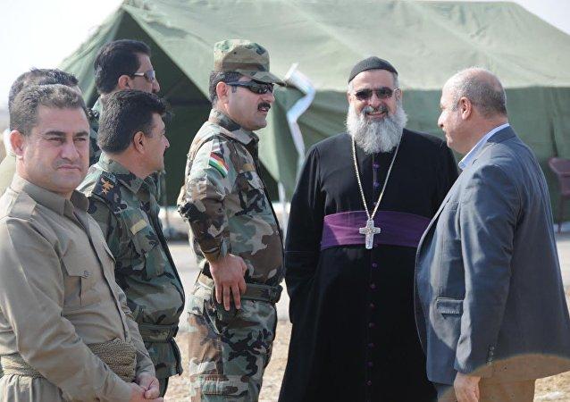 Voluntários cristãos que combatem Daesh perto de Mossul