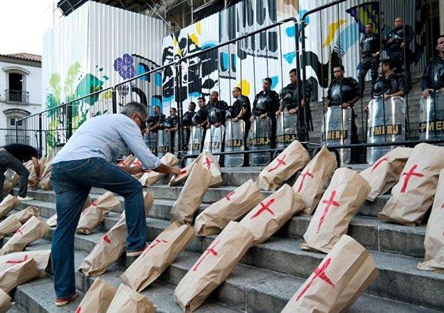 Movimento Rio de Paz protesta contra as medidas fiscais do governo do Rio
