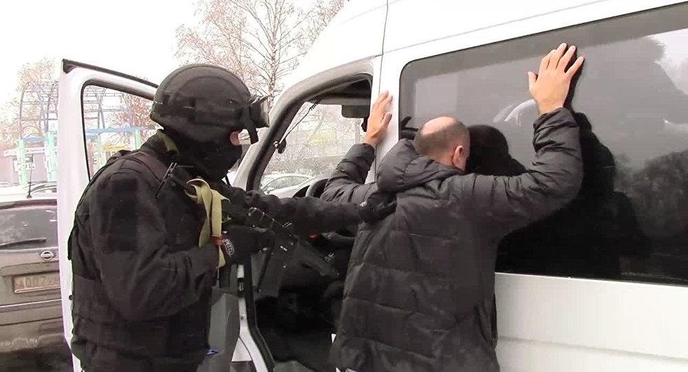 Foto de arquivo: funcionário do FSB durante uma detenção