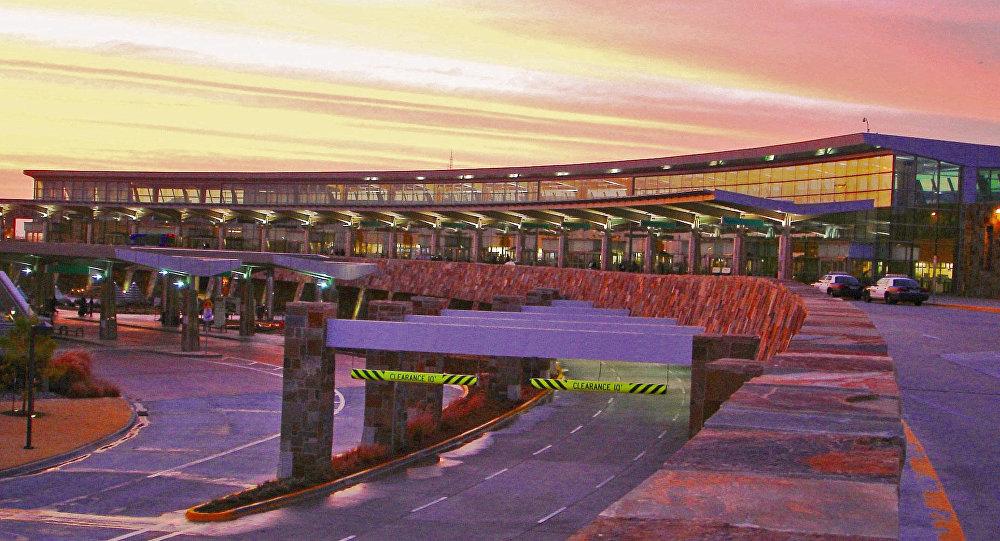 Polícia retira pessoas de aeroporto de Oklahoma encerrado após tiroteio