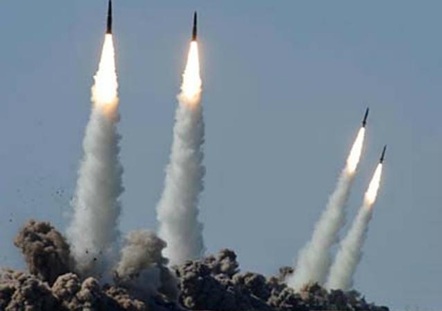 Testes do sistema de mísseis tático-operacionais Iskander