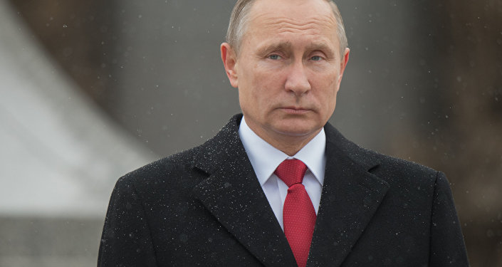 Presidente russo Vladimir Putin na praça Borovitskaya em Moscou